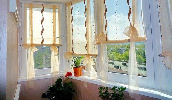 рулонные шторы на подвязках