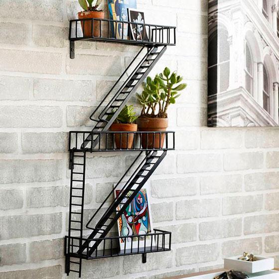 полки на балкон в виде лестниц