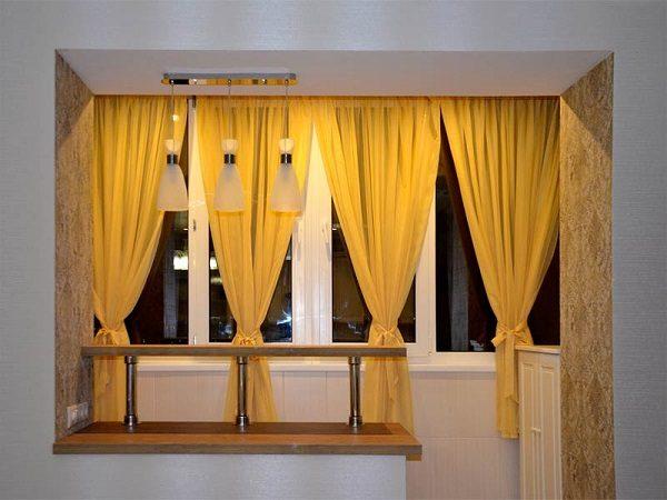 шторы на лоджии классика