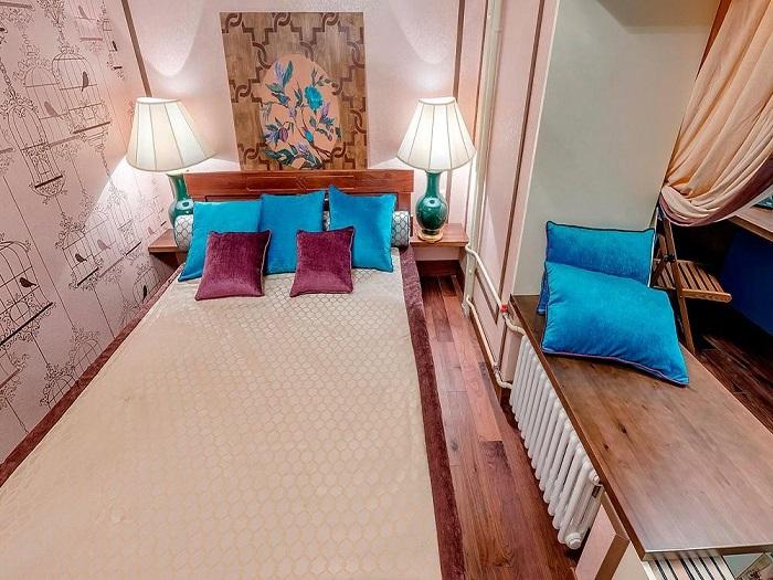 спальня на совмещенной с комнатой лоджии