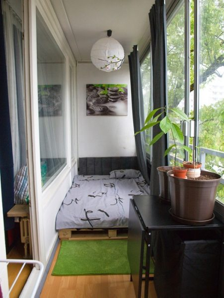 японский стиль спальни на балконе