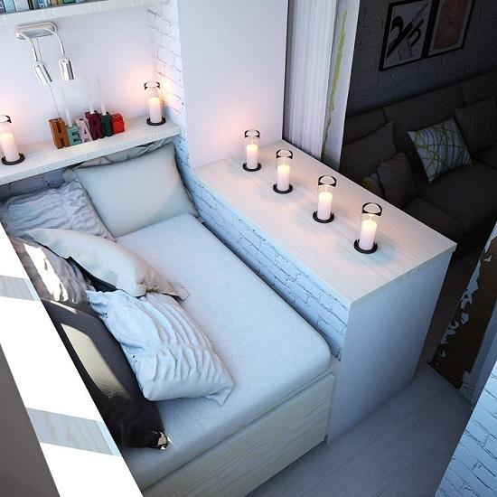кровать по всей длине балкона