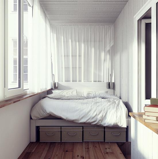 кровать с выдвижными ящиками на балконе