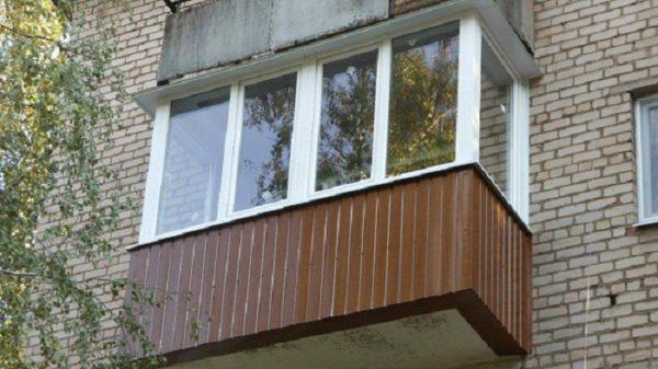 внешняя обшивка балкона профнастилом