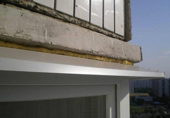верхний отлив балкона