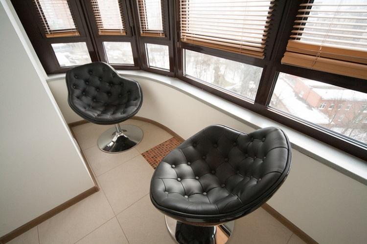 кожаные кресла на балкон