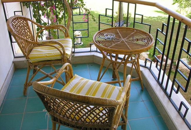 ротанговые плетеные кресла для балкона