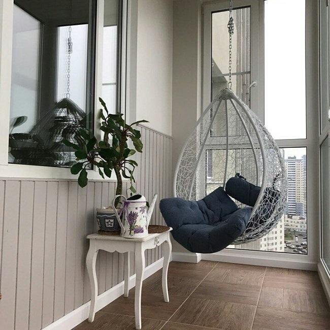 подвесное кресло на панорамный балкон