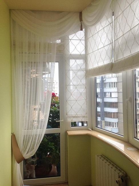 тюль с римскими шторами на балкон