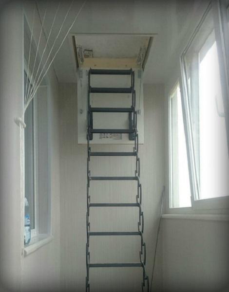 складная чердачная лестница вместо пожарной на лоджии