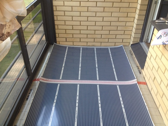 Пленочный теплый пол на балконе