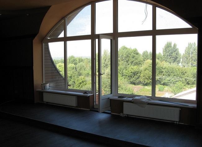 арочные мансардные окна