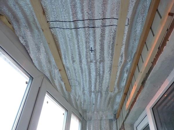 закладка под сушилку на потолок балкона