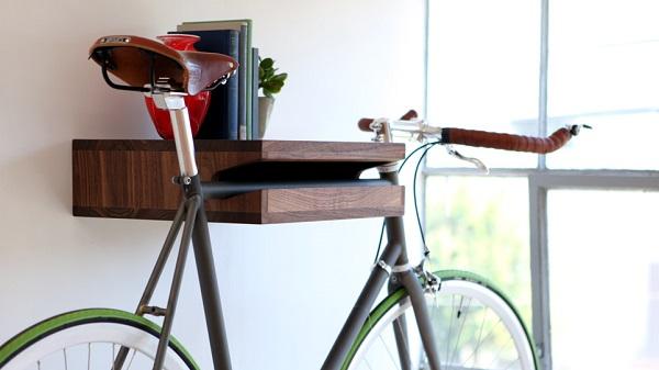 фото: полка для хранения велосипеда