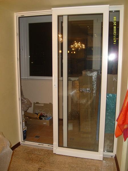 фото: раздвижные двери для балкона