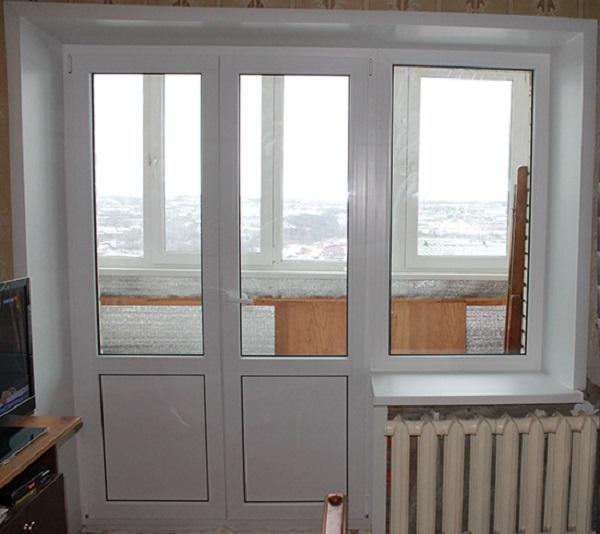 двустворчатая балконная дверь с закрытым пластиком