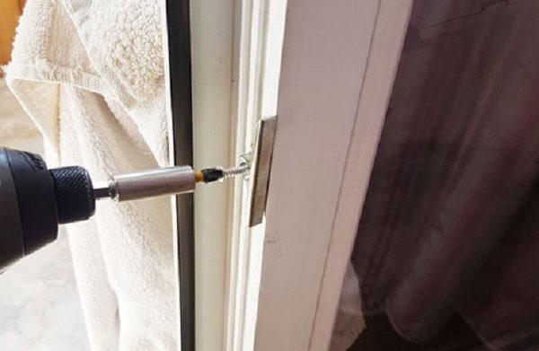 Регулировка ответных планок окна