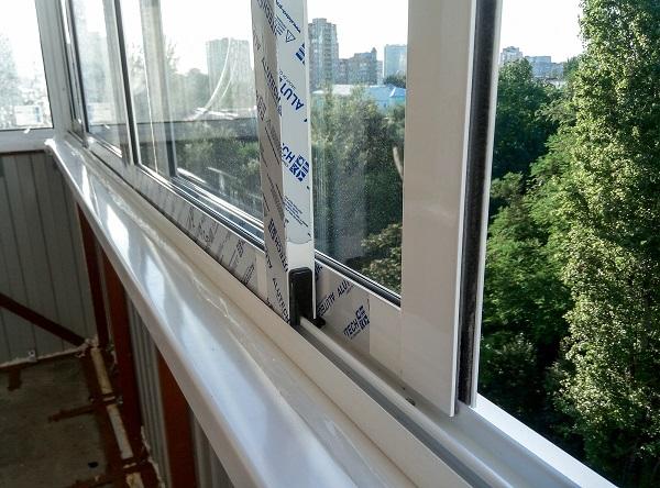 Алюминиевые раздвижные окна на балкон