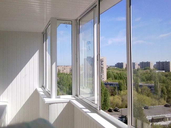 отделка холодного балкона пластиковой вагонкой