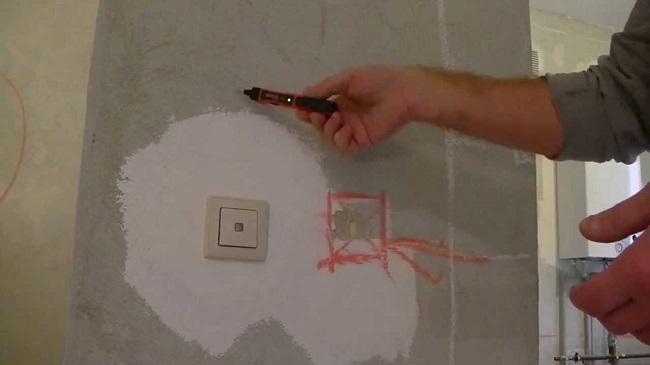 поиск скрытой проводки в стене