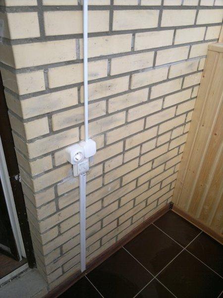 открытая проводка на балконе в кабель каналах