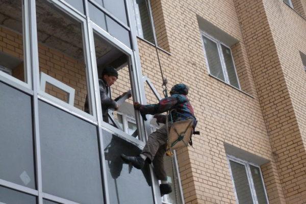 Как происходит остекление в Челябинске