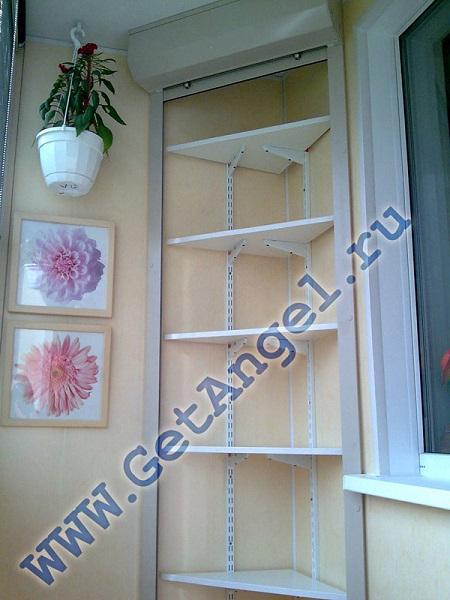 угловой стеллаж на балкон