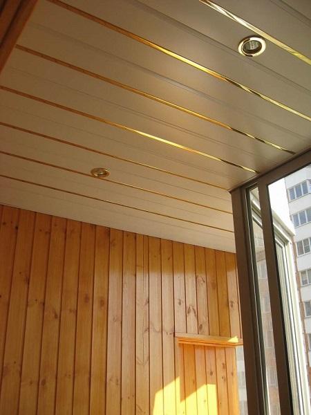 потолки из евровагонки на балконе