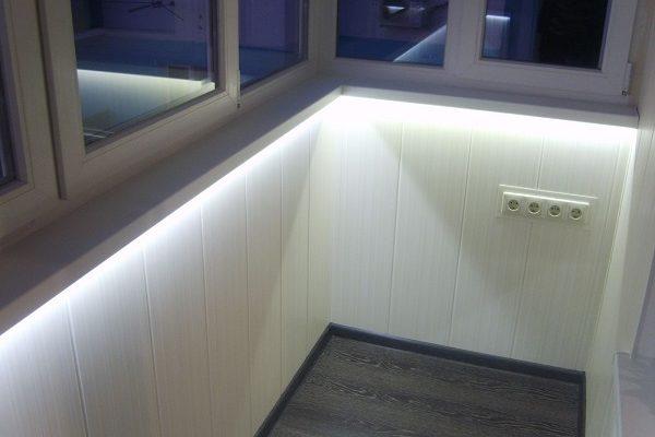 фото: подоконник на балконе