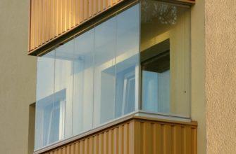 фото: Безрамное остекление балконов и лодий