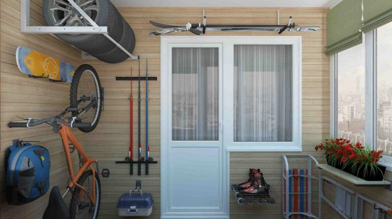 фото: система хранения на балконе