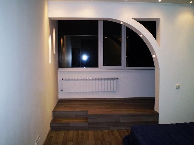оформление выхода на балкон прохода в виде арки