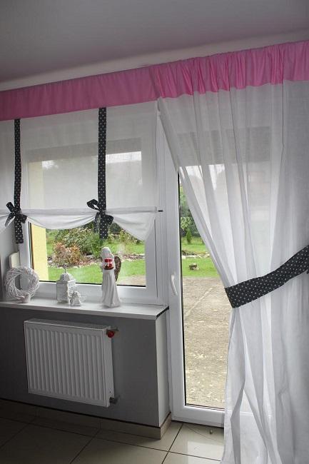 комбинирование обычных занавесок с рулонными шторами