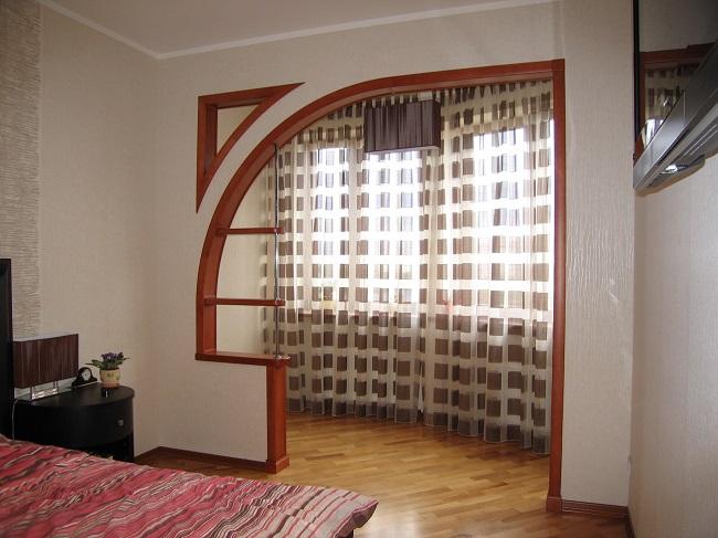 спальня с акрой на балкон