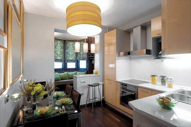 кухонный стол и софа на балконе