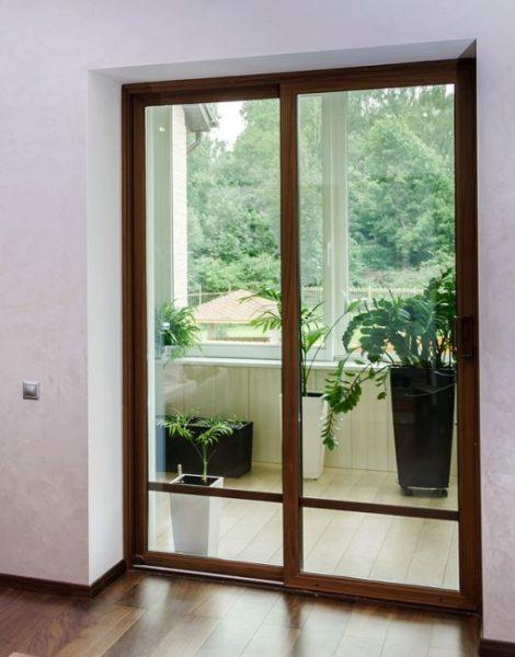рамная стеклянная дверь