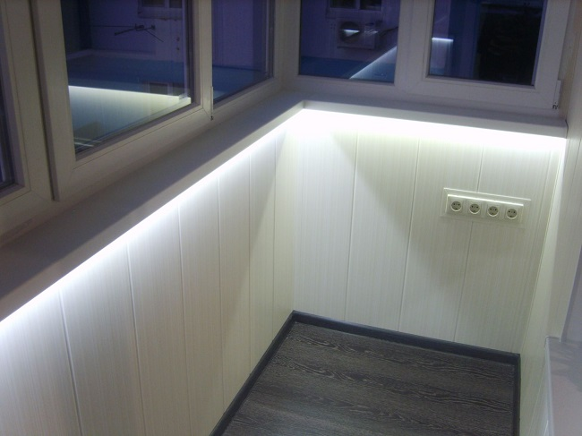 освещение на балконе светодиодной лентой