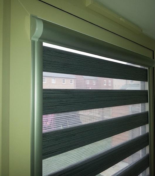 кассетные рулонные шторы день ночь