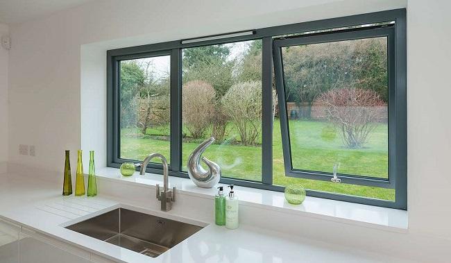 черные пластиковые окна в дизаайне