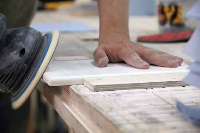 обработка каменного подоконника