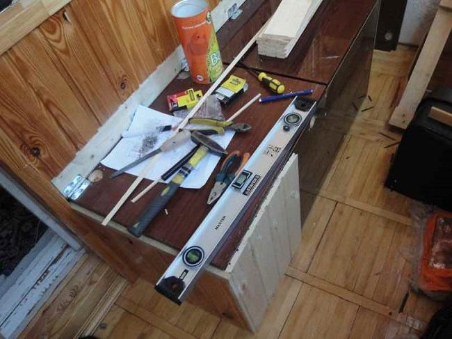 инструменты для сборки скамейки на балконе