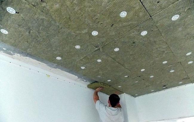 утепление потолка плитами минваты