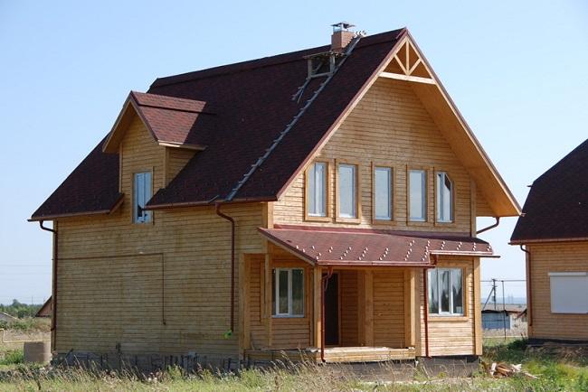 дом со слуховым окном