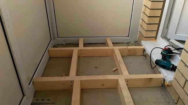 пол на лагах на балконе без крепления к полу