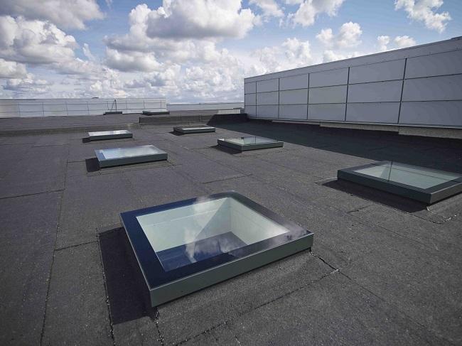 зенитный фонарь на крыше