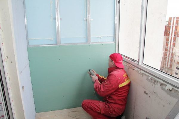 монтаж гипсокартона на балконе