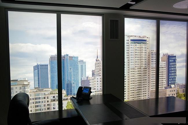 фальш окна в офисе