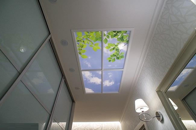 фальш окно на потолке с подсветкой