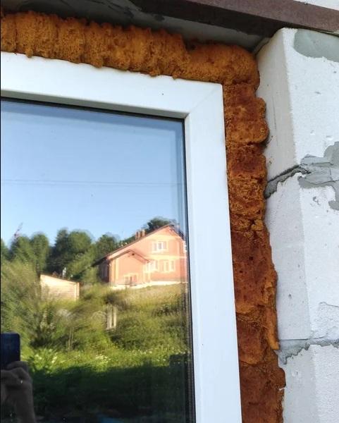 Угловой нащельник для пластиковых окон