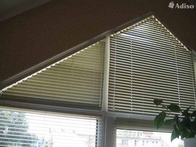 жалюзи на треугольные окна